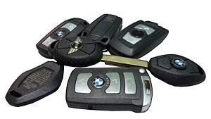 llaves de coche con mando a distancia